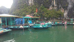 Ha Long Koyu - Balıkçı Yerleşkeleri